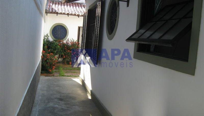 Casa PLinda_030 lateral bascula da cozinha e janela quarto