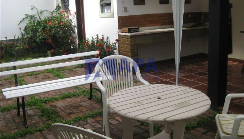 Casa PLinda_041 -area Fundos